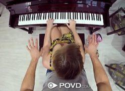 Videos porno comendo gata que toca piano