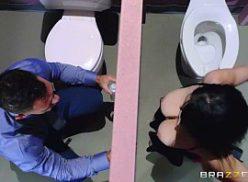 Comendo mulher o banheiro me um filme de sexo explicito
