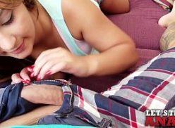 Mulher bem gata esta dando o seu cu no sexo online gratis